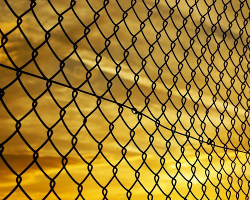 fence-72864_1280